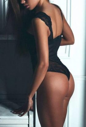 HOT mulata escort in Madrid, GFE Girl – Carmela